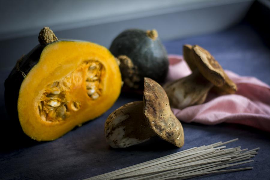 pasta-al-sugo-di-zucca-e-funghi_soba